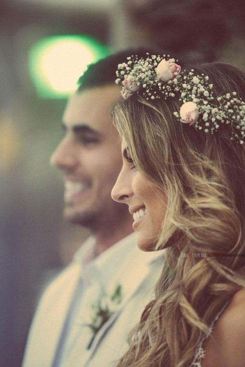 fiori tra i capelli matrimonio, acconciatura matrimonio