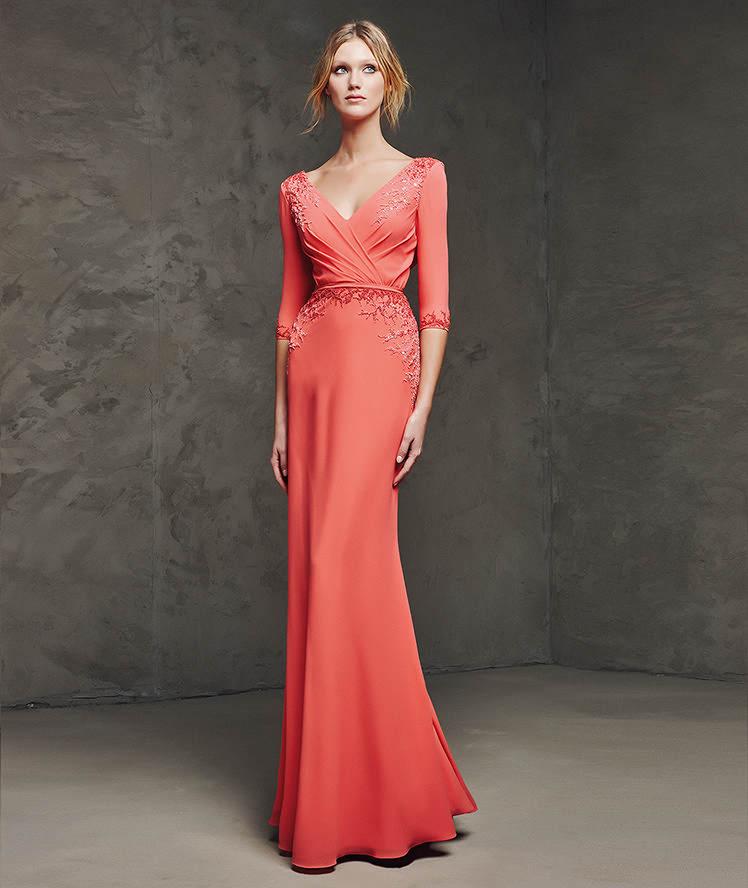 Ogni donna riuscirà ad individuare il suo stile e a trovare l abito adatto  a sfoggiare un look invidiabile. Qual è il vostro preferito  5ab913d3e62