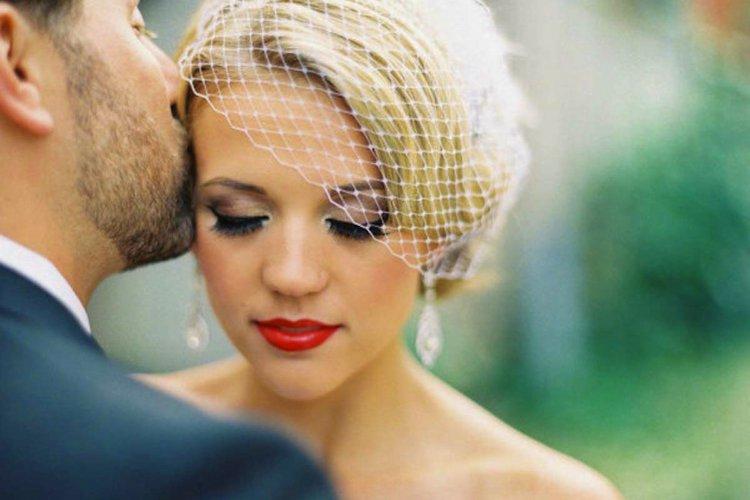 Il rossetto della sposa, rosso, lampone o nude look? Scopri la tendenza 2020