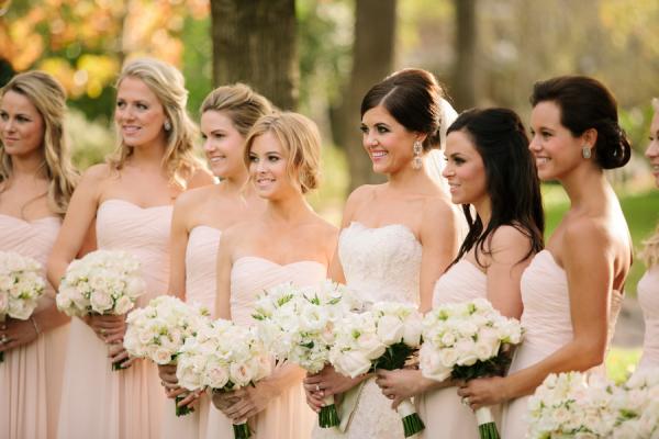 Il bouquet della sposa, ecco come sceglierlo in cinque mosse