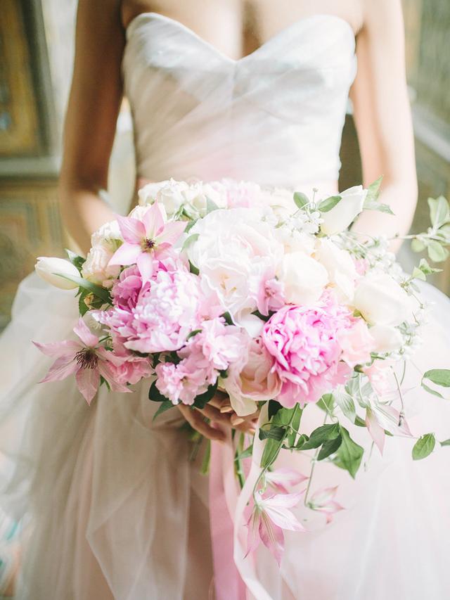 rose-quartz-bouquet