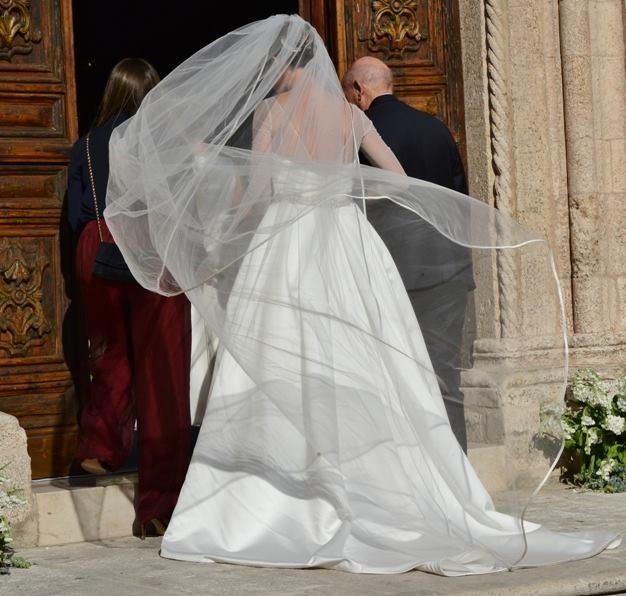 1465833359-flavia-pennetta-abito-da-sposa-4