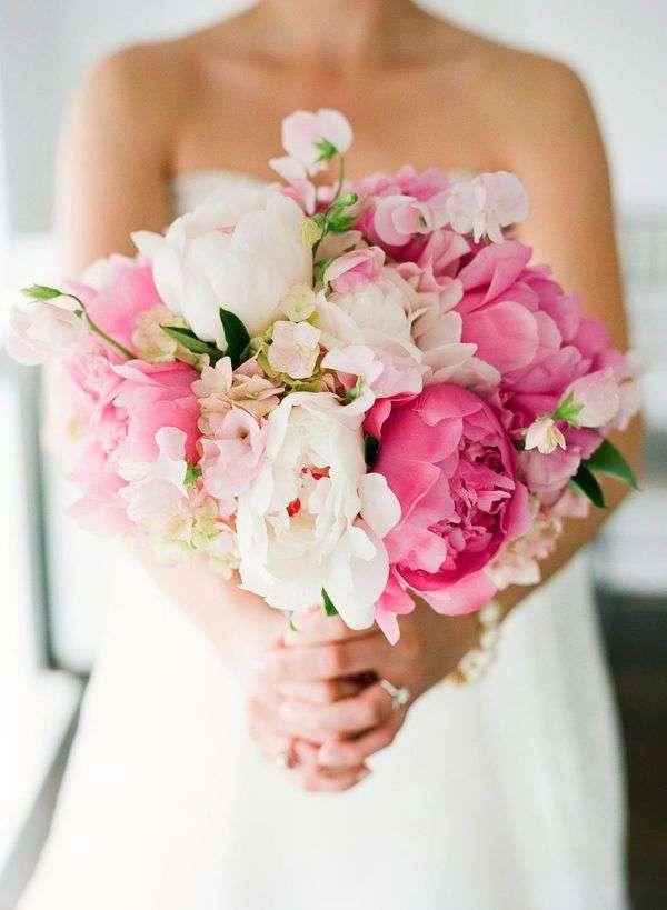 bouquet-rosa-e-bianco-ampio