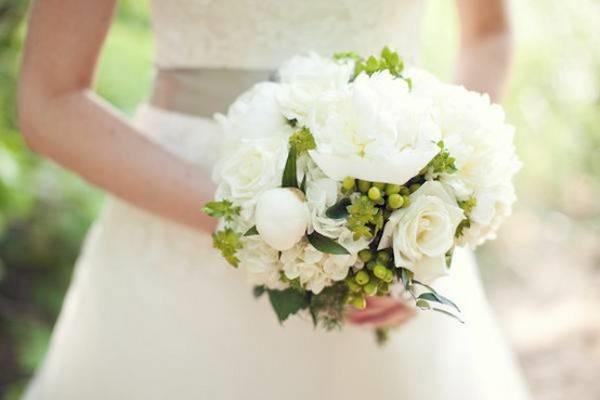 Bouquet Sposa Fiori.Bouquet Da Sposa 2017 I Fiori Piu Glamour Per Le Spose Di