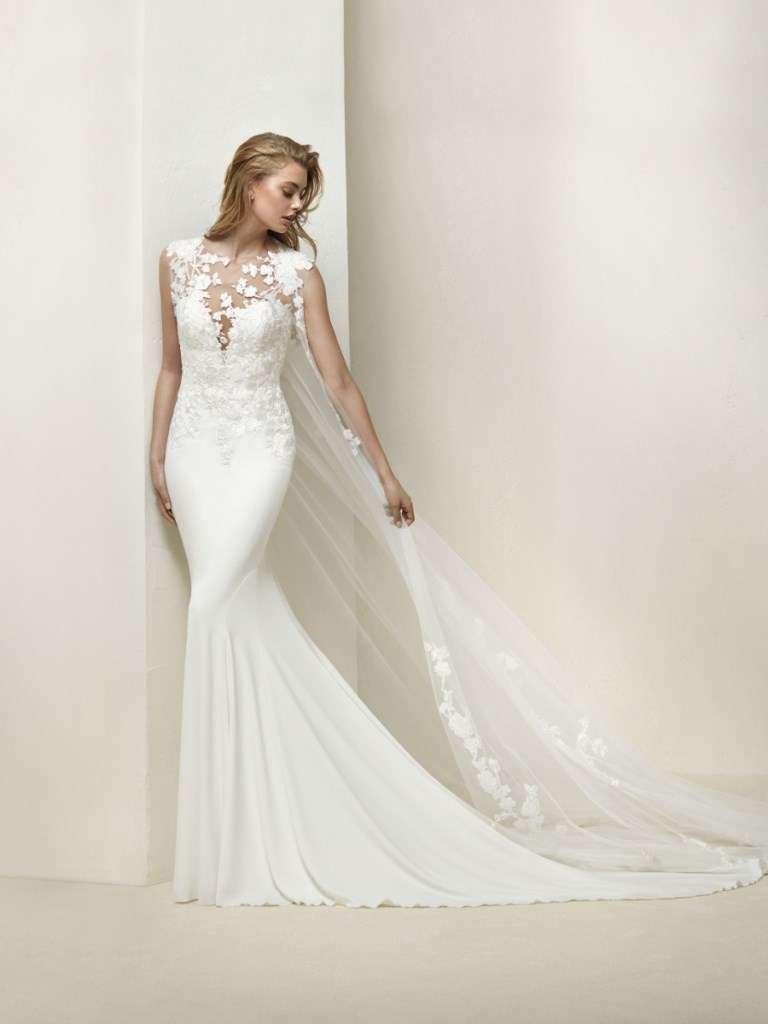 ... vestito-con-carre-di-pizzo-pronovias vestito-da-sposa-stile-retro a426000709c