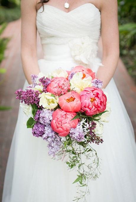 2014_bridescom-Editorial_Images-06-Peony-Wedding-Bouquets-Large-Peony-Bouquet-Refresh-Kaysha-Weiner-Photographer