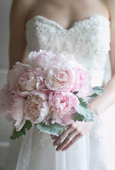 2014_bridescom-Editorial_Images-06-Peony-Wedding-Bouquets-Large-Peony-Bouquet-Refresh-Lark-Photography