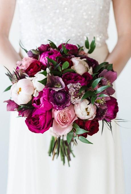 2014_bridescom-Editorial_Images-06-Peony-Wedding-Bouquets-Large-Peony-Wedding-Bouquets-Michelle-Landreau