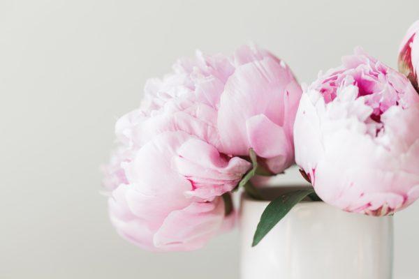 Il bouquet  con le peonie per la sposa romantica!